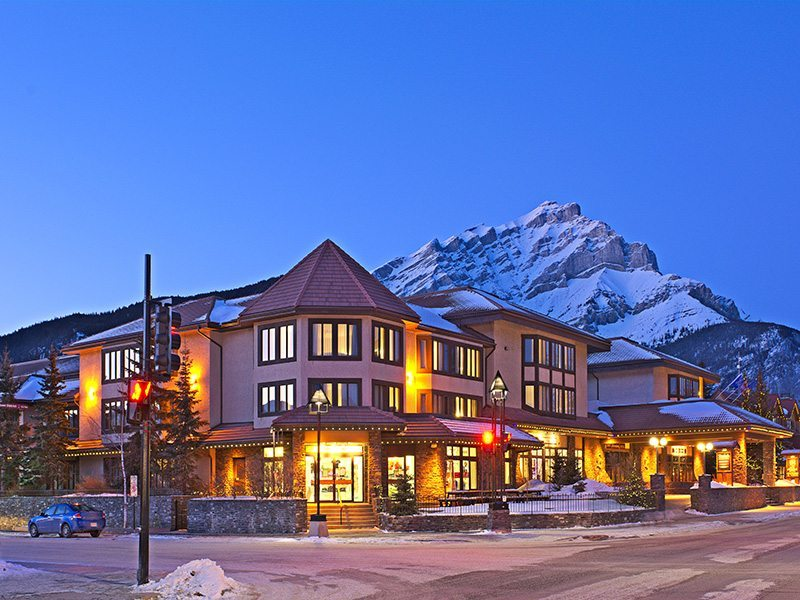 Ski Big 3 Banff Lake Louise Hotels And Lodging