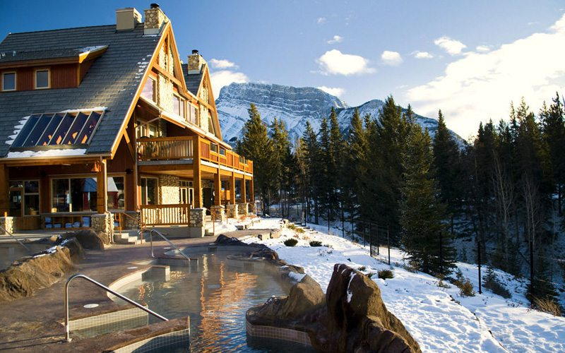 Head to the Hidden Ridge Resort hot pool for some of the best views in Banff. Photo: Expedia.