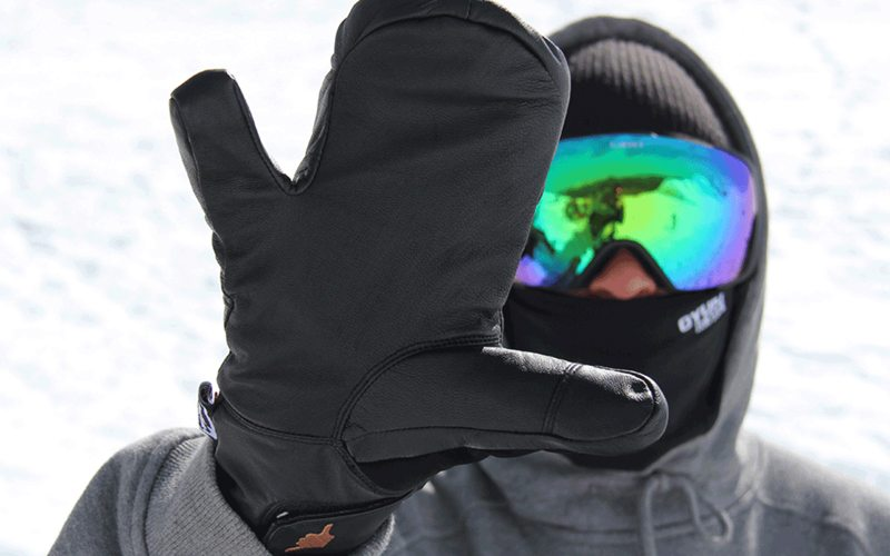 Send out toasty warm shaka vibes & spread the stoke with these cozy, unique mitts. Photo: Oyuki shaka mitt.