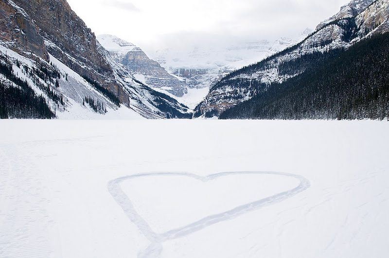 A visit to Banff National Park is the ultimate romantic winter experience. Photo: TweedTelegraph.com