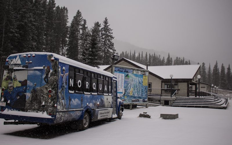 Ski shuttles between Ski Big 3 resorts and local hotels make transport a breeze. Photo: Ski Big 3/Luke Sudermann
