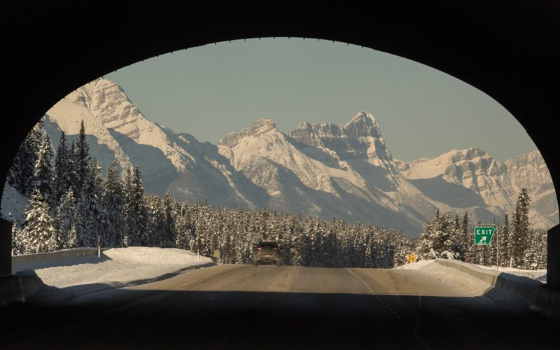 The drive from Banff to Lake Louise is a scenic one. Photo: Luke Sudermann/SkiBig3