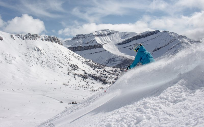 April 10, 2017: 12cm powder day at The Lake Louise Ski Resort. Photo: Ski Big 3/Luke Sudermann