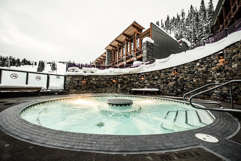 Outdoor hot pool at Sunshine Mountain Lodge, Banff Sunshine Village, Banff National Park.