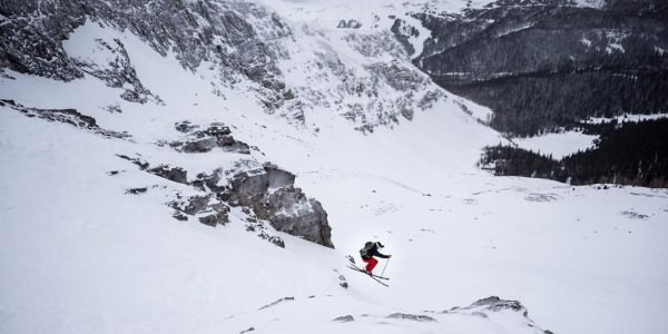 Skier in Delirium Dive. Photo by Will Lambert.|||